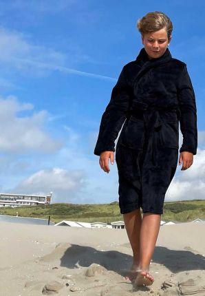 zwarte kinderbadjas fleece - relax company - sjaalkraag - lang badjas model