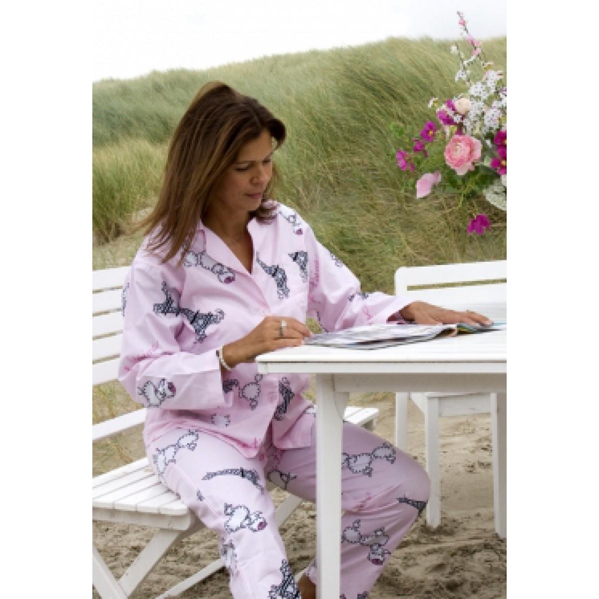 Fifi in Paris pyjama