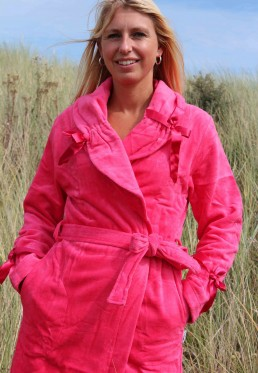 Roze badjas met strikjes