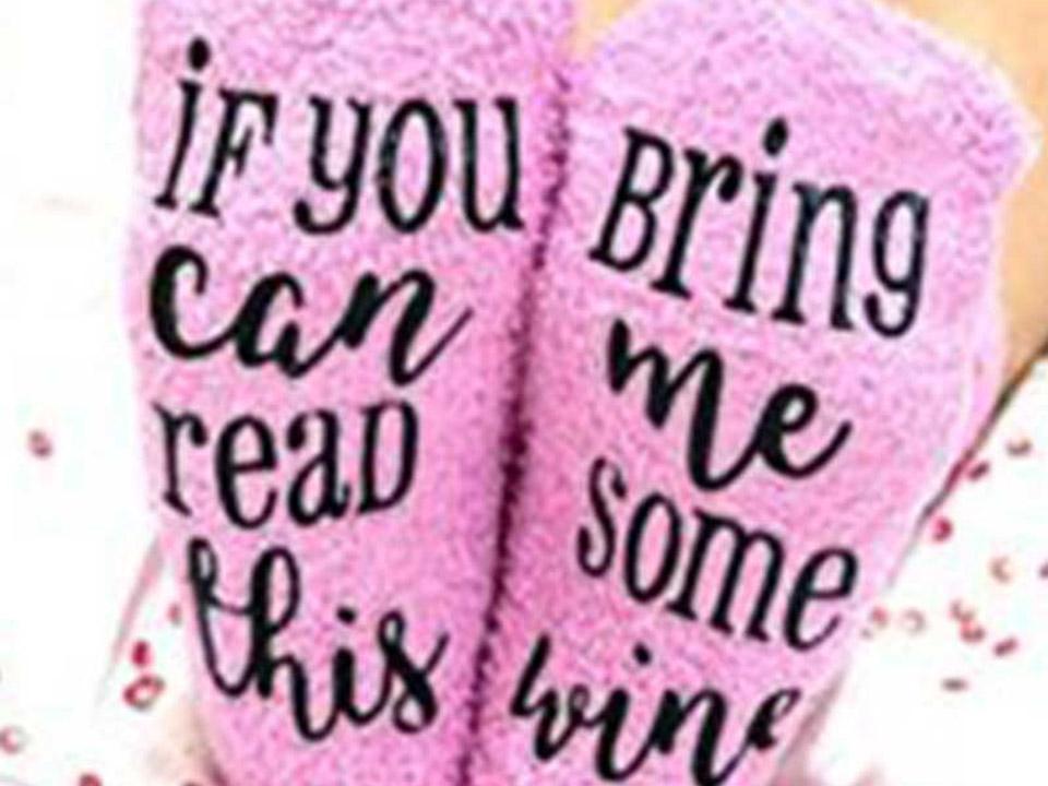 'Bring me some wine' sokken