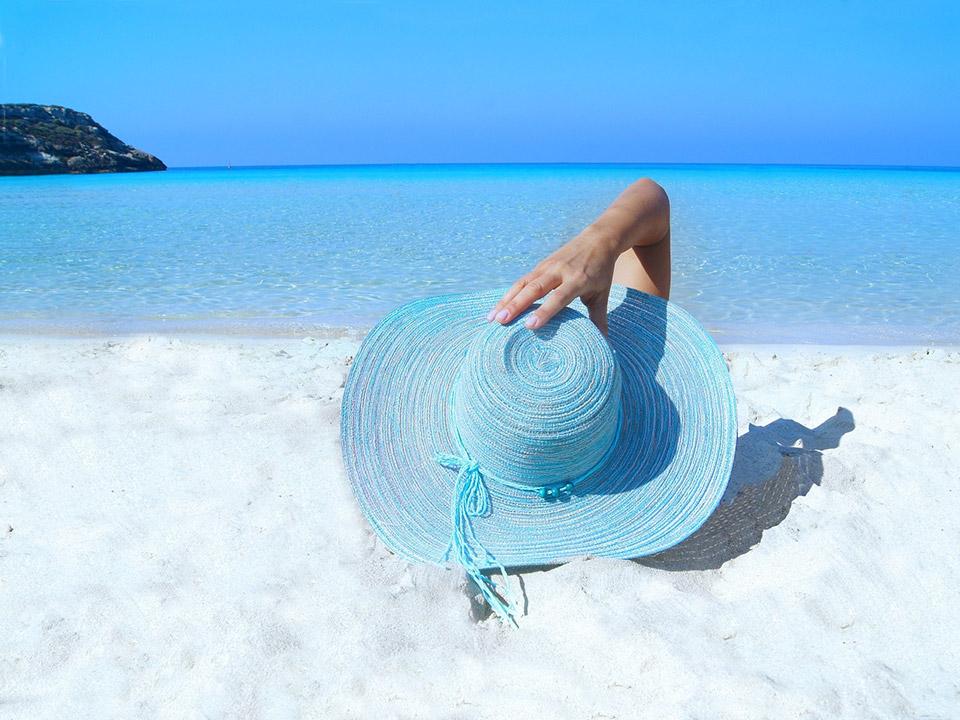 Op strandvakantie met je badjas