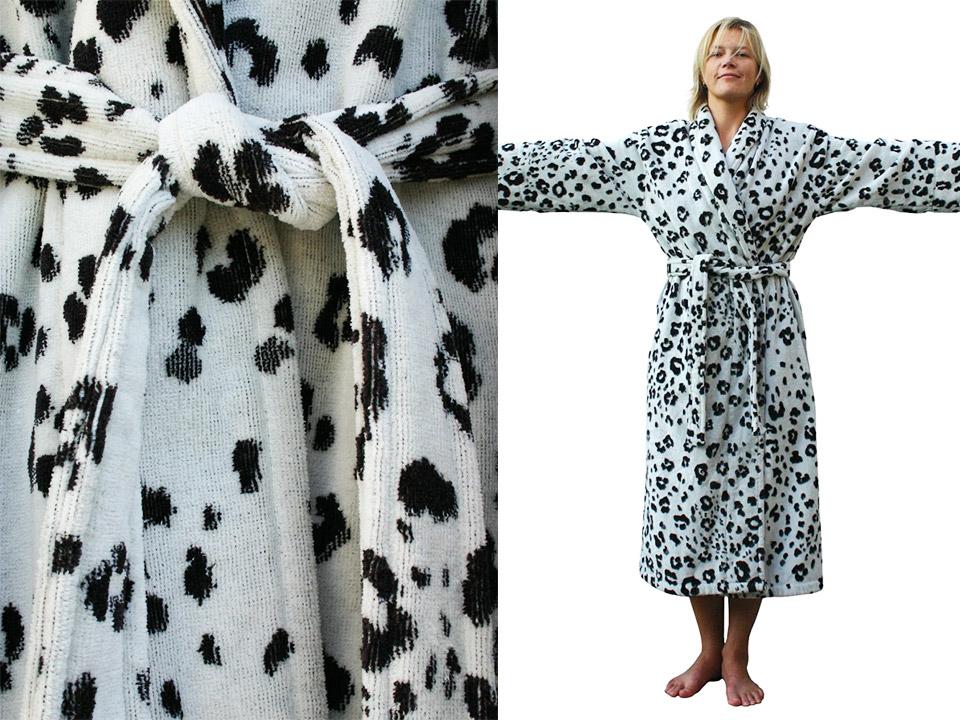 Badjassen haute-couture. Hoezo niet trendy? Badjas funky snowleopard